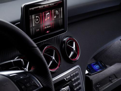 iPhone Integration in die Mercedes Benz A-Klasse